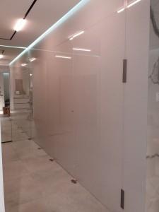 Szklo-technika-panele-lakierowane-korytarz-71763888