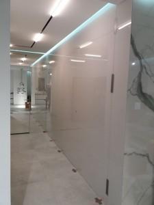 Szklo-technika-panele-lakierowane-korytarz-72914642